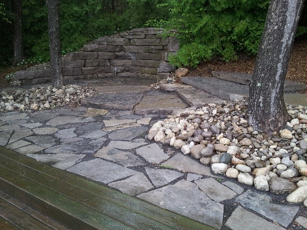 Why Choose a Flagstone Walkway for Your Home or Business?