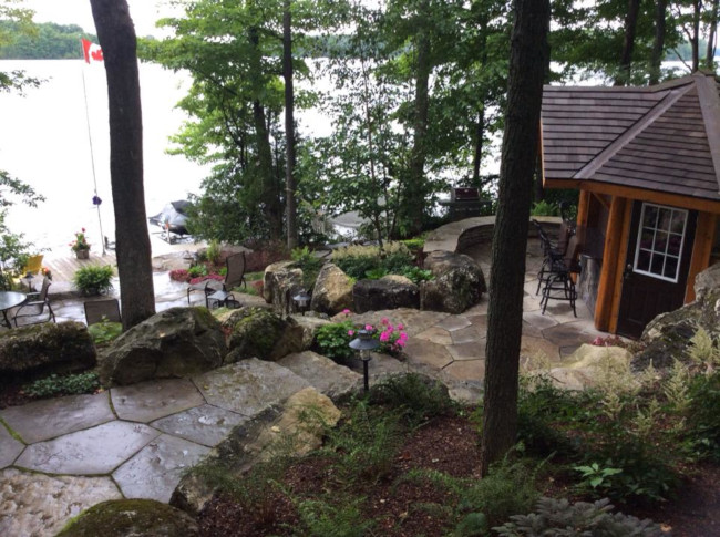 What We Love About Flagstone Walkways